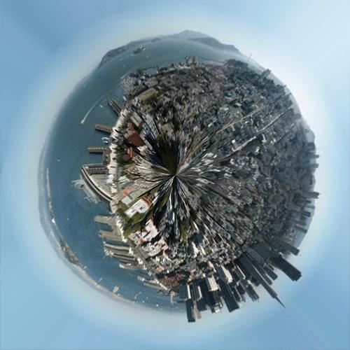 Votre propre planète à partir d'une image panoramique